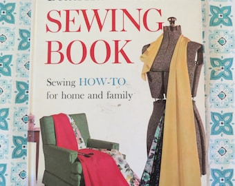 NICE Vintage Better Homes and Garden 1961 Sewing Book