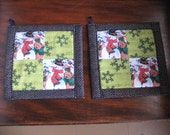 Snowman with Green Snowflakes Kitchen Potholder Set
