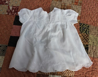 Infant Gown White Cotton Dress Embroidered Newborn layette Baby VINTAGE by Plantdreaming