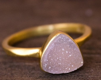 25% OFF Gold Pink Druzy Pyramid Ring - Stackable Ring - Rose Pink, Triangle Ring