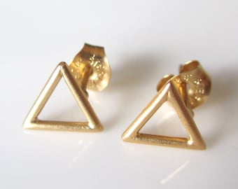 Open Triangle Stud Earrings- Tiny Triangle Earrings- Triangle Studs- Gold Vermeil Triangle Post Earrings EGS-SD14
