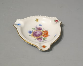 Vintage Porcelain Ashtray Bavaria Germany / Small Triangle Fine China Floral Trinket Ring Dish with Beaded Rim Gold Trim Ash Tray Tobacciana