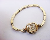 BG352 Lady Elgin 14K Gold Fill Art Deco Wrist Watch Speidel 1/20 10K Top on Stretchy Vintage