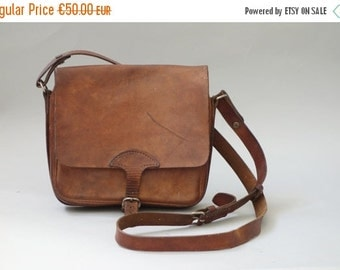 Small cross body leather purse | 1970 by cubevintage