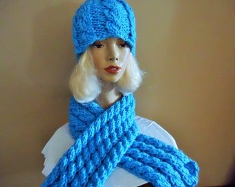 Chunky knit cable hat and scarf in turquiose