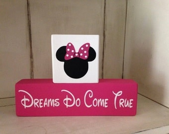 Two Piece Dreams Do come True Mickey or Minnie Wood Block Sign Set Nursery Children Room Decor Birthday Party Centerpiece Hand Painted
