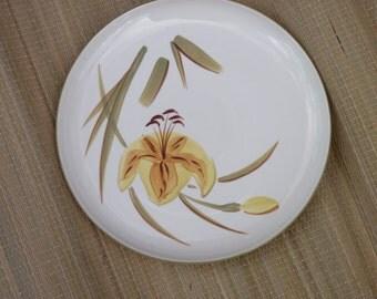 Tiger Iris Winfield Pottery Dinner Plate