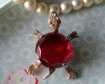 Vintage Turtle Brooch,Pin,Turtle Jewelry,Demi Turtle,Red,Rhinestone Turtle