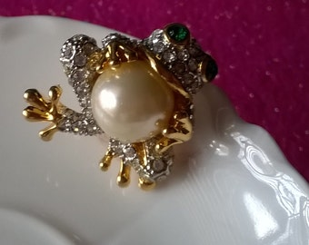 Vintage Rhinestone and Faux Pearl Frog Brooch