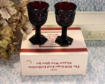 Vintage Avon 1876 Cape Cod Ruby Red Elegant Wine Glasses, Set of Two in the Original Box, 1980s Mid Century Glass Barware, Toasting Glasses