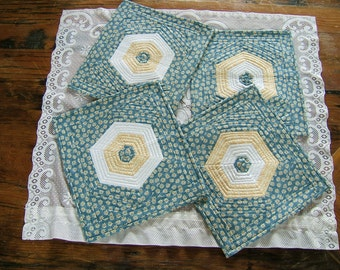 Set of 4 Yellow and Blue Place Mats  /Item #11