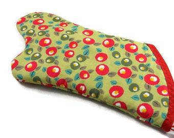 Retro Rosie Oven Mitt/ Retro Kitchen Decor/ Home Decor/ Birthday Gift/ Hostess Gift/ Gift For Mom/ Housewarming Gift/ Grill and Baking
