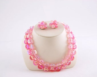 Early 1960s Pink Plastic Necklace and Earrings - Bright Pink 50s Jewelry // Plastic beads Bright Pink Cerise // Fuchsia