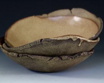 Stoneware bowls in Nutmeg