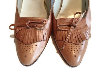 Vintage stacked wood Heel leather Pumps Heels shoes Italy Size 7 AA boho