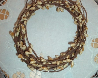 One 18' Pip Berry Garland Creamy Vanilla Rustic Rope Primitive Crafts Folkart Doll Making Wreaths Swags