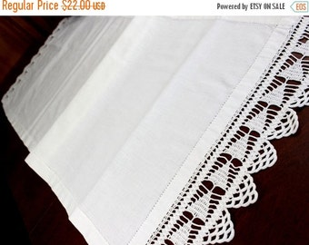 Antique Linen Table Runner with Filet Crocheted Ends 12353