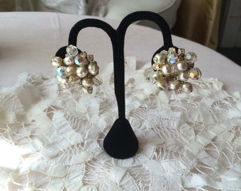 Stunning Pearl  and Crystal Clusrer Earrings