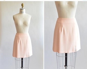 30% OFF STOREWIDE / Vintage 1990s MINIMALIST peach mini skirt