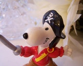 Peanuts Snoopy Pirate Swashbuckler Miniature PVC Figurine Vintage Sword Black Hat Boots