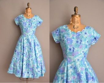 50s polished cotton scallop cut full skirt vintage cotton dress / vintage 1950s dress