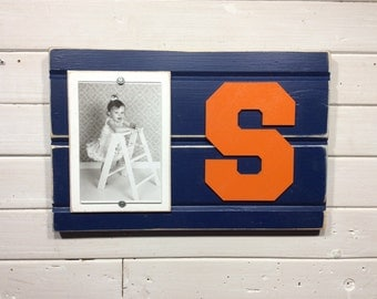 "Syracuse University orange S picture frame holds 4""x6"" photo"