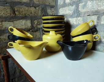 Set of Vintage Prolon Florence Melmac Dishes - Melamine - 24 Pieces - MCM - Mid Century Modern Dishware - 1950s - Yellow and Black - Bowls