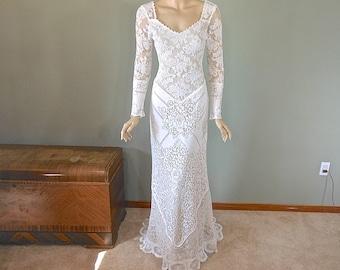 Vintage Lace Wedding dress BOHEMIAN Wedding Dress  LACE wedding Dress Victorian Long Sleeve Wedding dress Sz Small