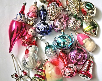 Vintage Christmas Decorations Glass Baubles Ornaments set of 20 Set 6 1970s from Russia Soviet Union USSR