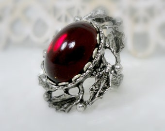 Gothic Cameo Ring Gothic Jewelry Ring Red Glass Ring Red Ring Victorian Ring Vampire Ring Gothic Wedding Cosplay