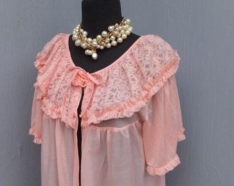 Vintage Pretty PINK Robe, Romantic & Feminine Robe, Lace Ruffle Collar with Rose,