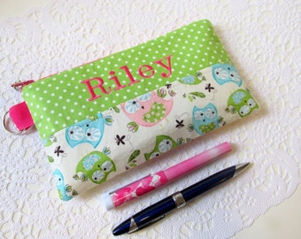 Handmade pencil bag with zipper - Sweet owls - green with white dots - embroidery monogram name - storage bag - back to school - gift idea