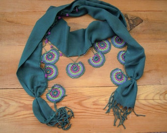 green scarf with crochet circles