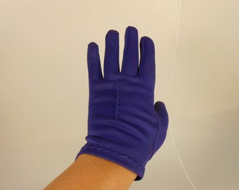 A Kiss on the Hand - Vintage 1950s Royal Purple Plum Nylon Short Wrist Gloves - 6.5/7