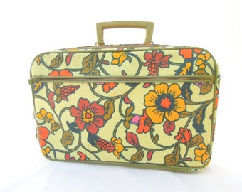 vintage floral tote.suitcase.luggage.fall colors.orange.yellow.60's.hippie.computer case.WITH KEY.tessiemay vintage