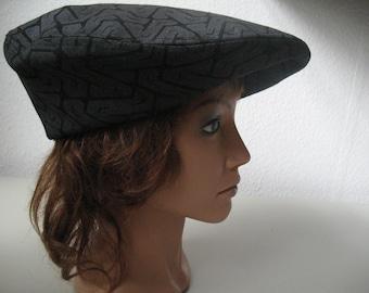 Big beret, black and silvery grey