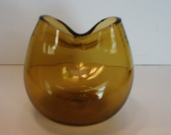 Bischoff Glass Company Handblown Pinched Vase In Amber Color
