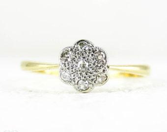 Vintage Diamond Engagement Ring, Daisy Flower Shape Diamond Cluster Ring. 18 Carat & Platinum, Circa 1920s.