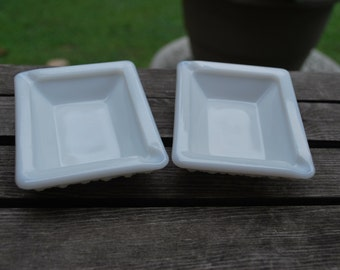 Matching Pair of Vintage Westmoreland Glass Co. Milk Glass Diamond Point Ashtrays, Excellent Condition.