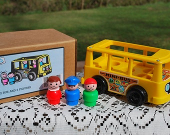Vintage 1988 New-In-Box, New-Old-Stock, Fisher Price Little People Pampers Promotional Minibus with Three Figures, Collector's Quality.