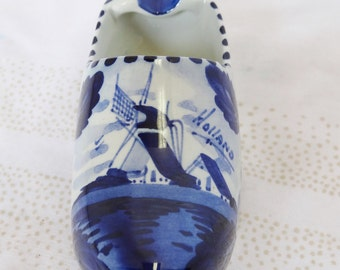 Delft Blue Holland Pottery Clog Ashtray Sailboat Motif Home and Garden Smoking Accessories Ashtrays