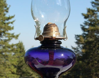 Antique Victorian OIL LAMP beautiful deep sun colored purple AMETHYST glass - All Original
