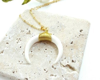 Simple every day necklace- White horn pendant necklace- The Bel