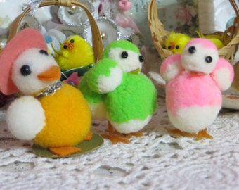 Vintage Chenille Pom Pom Chicks -PASTELS-Bead Eyes--Made in Japan-Novelties