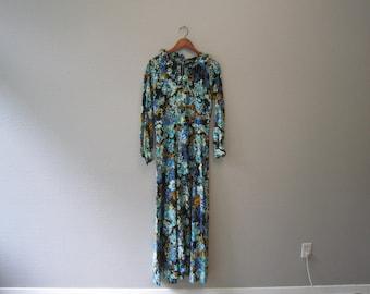 Vintage 70s Blue Floral Dress