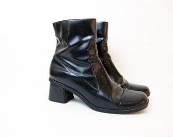 Size 7.5 Black 90s Low Heel Black Zip up Ankle Leather Boots Shoes