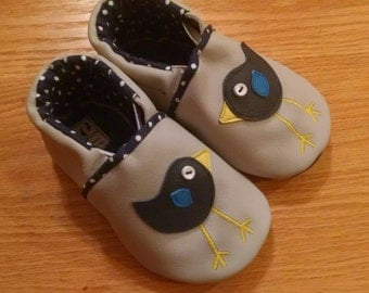 little birds baby girl shoes size 6/ 18-24 months