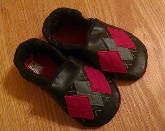 black argyle boy's shoes size 2T/ 7 mud turtles and more