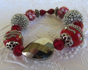 Red And Silver Toned Chunky Stretch Beaded Bracelet