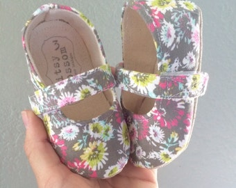 Baby Shoes Toddler Shoes Summer Shoes Grey Shoes Floral Shoes Soft Shoes Girl Shoes Baby Girl Shoes - Brynn